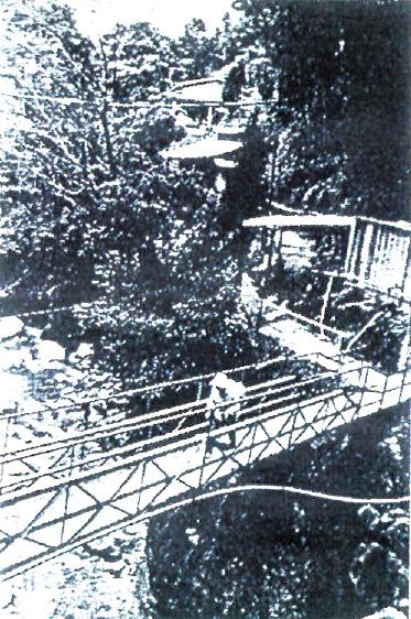 源泉近くにあったころの湯治湯「関平温泉」